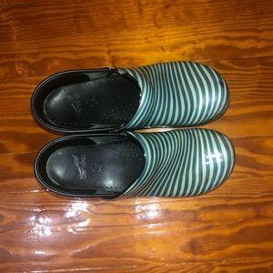 Green striped danskos